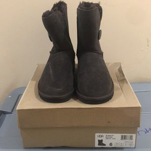 Women Ugg Bailey Button Short boots